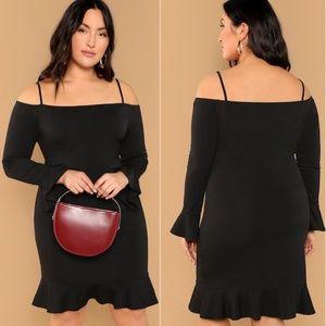 Dresses & Skirts - 🆕🆕🔥🔥Gorgeous Plus Size Little Black Dress